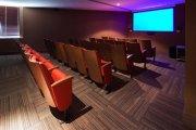 אולם הקולנוע במלון