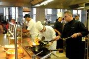 טבחים בהגשה פרונטלית